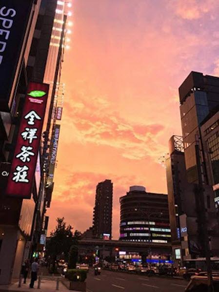 Nebo nad Tajpejem